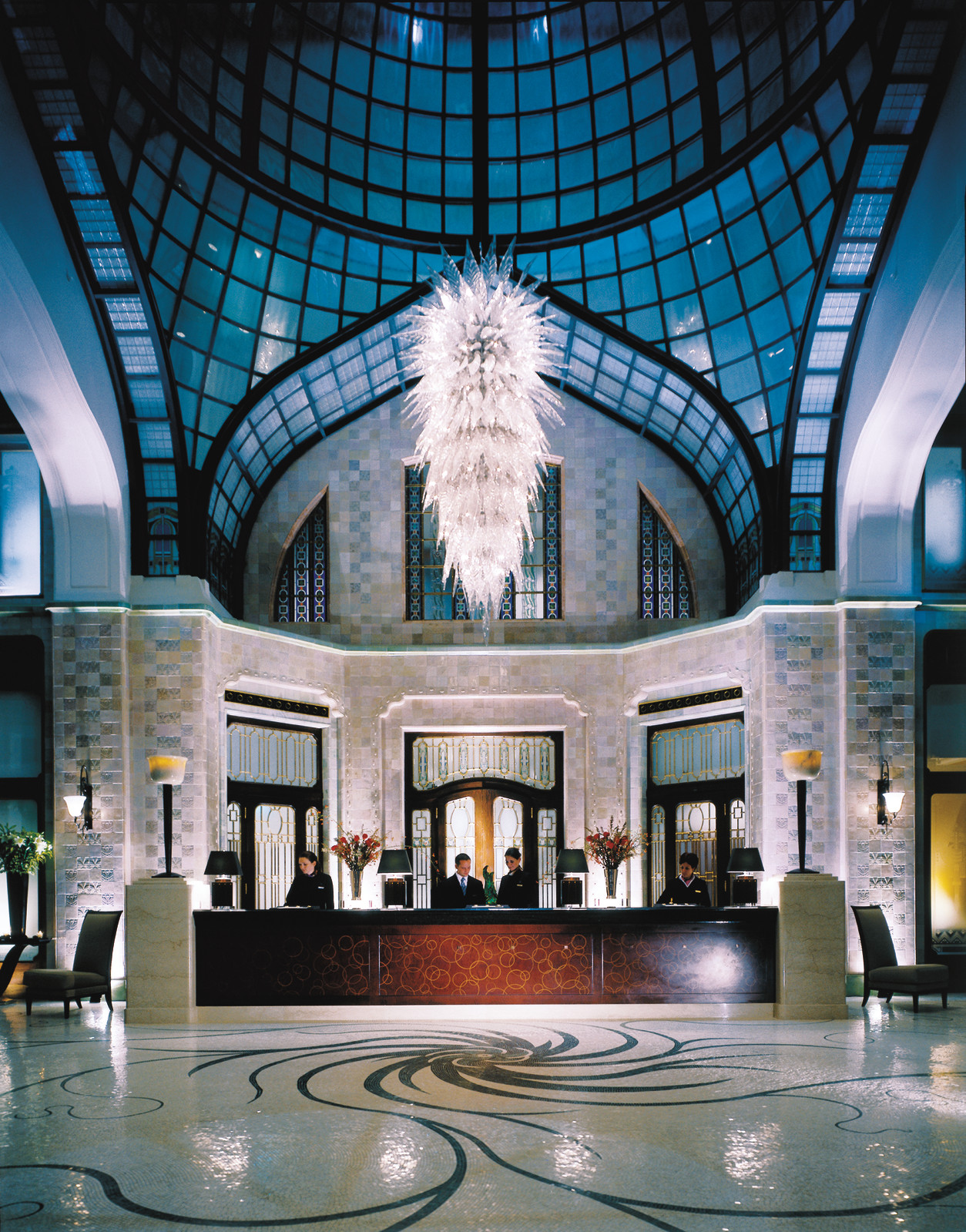 Amazing-interior-design-Hotel-Four-Seasons-Gresham-Palace-Budapest-lobby-with-beautiful-flooring-lighting-and-furnishing